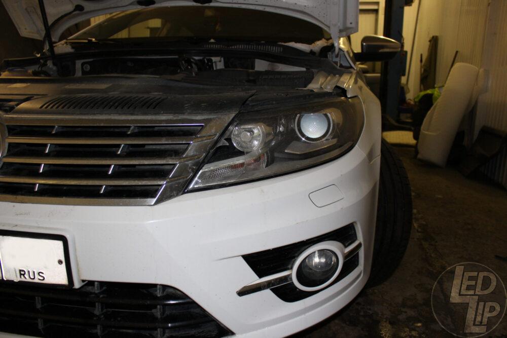 Замена стекла фары Volkswagen Passat CC B7.