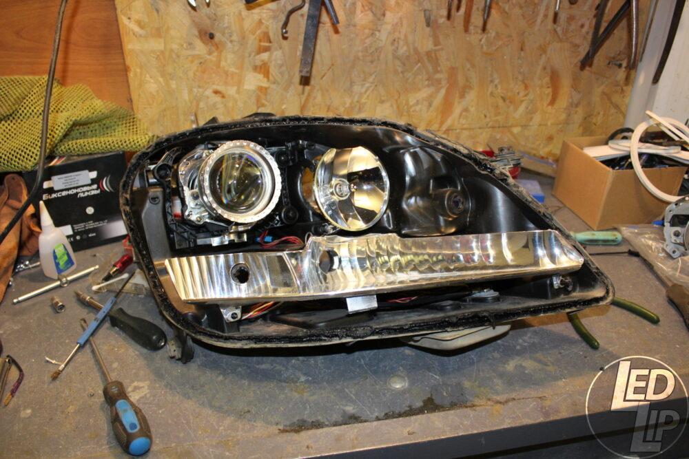 Замена штатных ксеноновых линз, полировка фар Mercedes Benz ML550